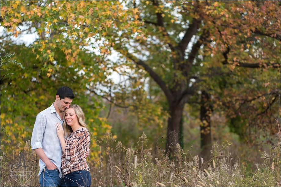 forest-park-fall-engagement-session-st-louis-public-library-photography-lifestyle-photographer-angie-menos-stl-mo_0020