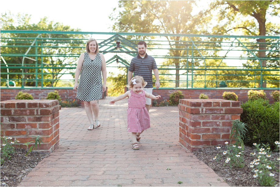 Chesterfield-family-photographer-two-year-photo-session-lifestyle-family-photography-angie-menos-st-louis-photographer_0007
