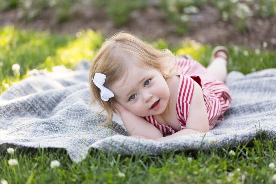 Chesterfield-family-photographer-two-year-photo-session-lifestyle-family-photography-angie-menos-st-louis-photographer_0009