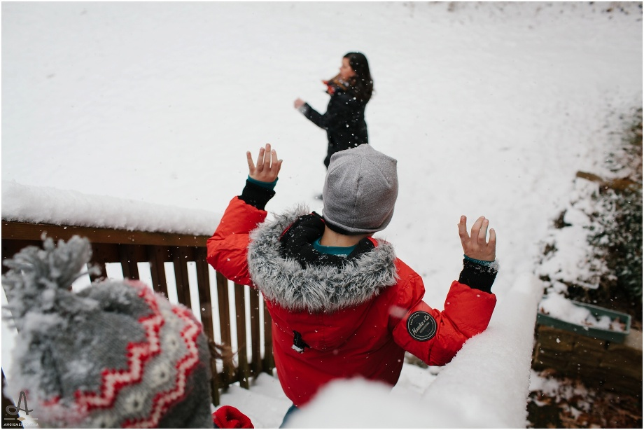 chesterfield family photography session in the snow